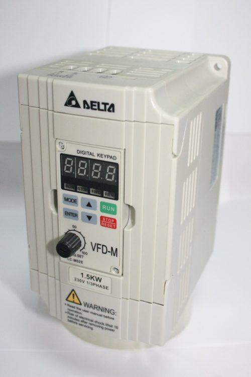 Фото 3 - Инвертор Delta VFD015M21A 1.5 кВт.