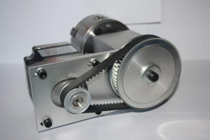 Фото 2 - Поворотная ось с  ременной передачей 1:3  (шаговый двигатель 86HS82)   3-х кулачковый.