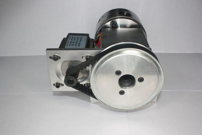 Фото 3 - Поворотная ось с ременной передачей 1:6 (шаговый двигатель 57HS76)   3-х кулачковый.