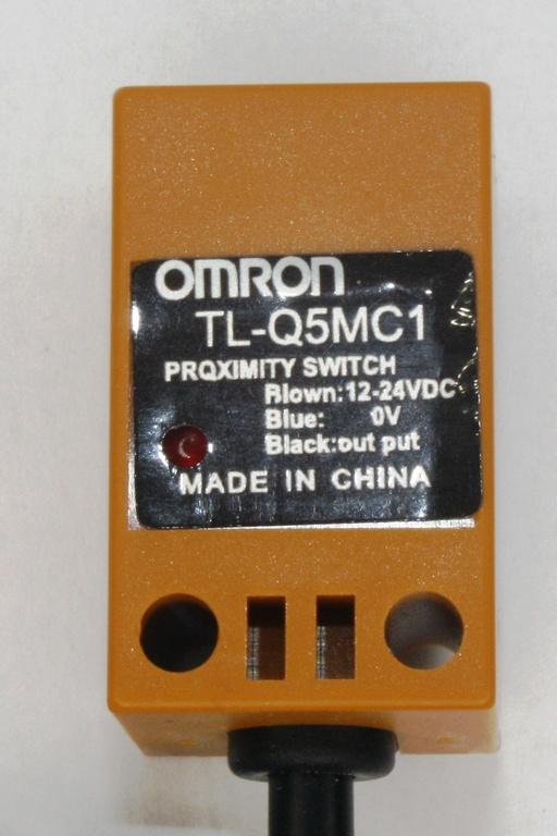 Фото 2 - Датчик приближения Omron TL-Q5MC1.