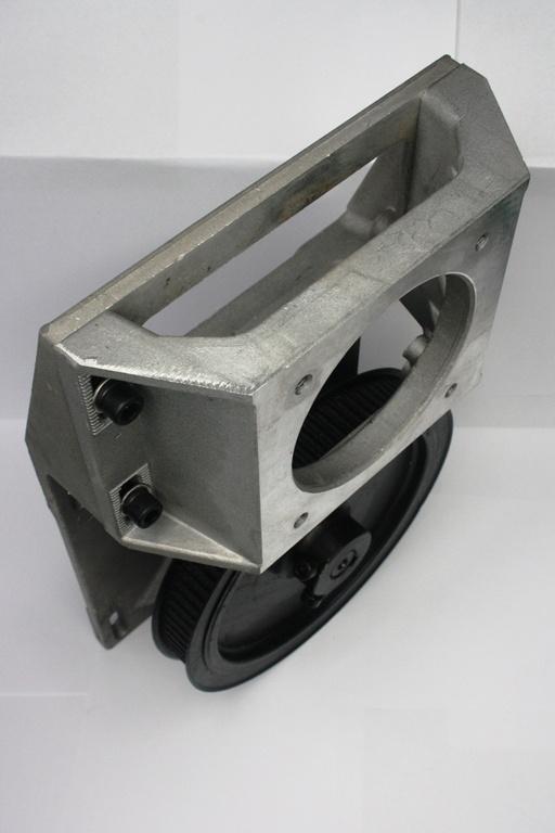 Фото 2 - Крепежный узел с ременным редуктором 1:5 на зубчатую рейку (прямозубая рейка 1.25 модуль).