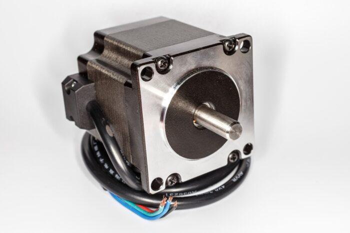 Фото 1 - Шаговый двигатель  57BYG250B-8 вал на 2 стороны 1,2 Нм.