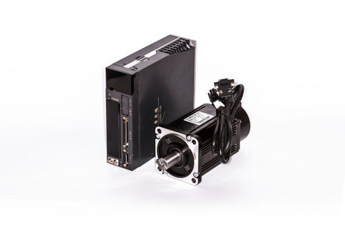 Фото 1 - Комплект сервомотор 80ST-C02430LB 750W, серводрайвер H2N-15A.
